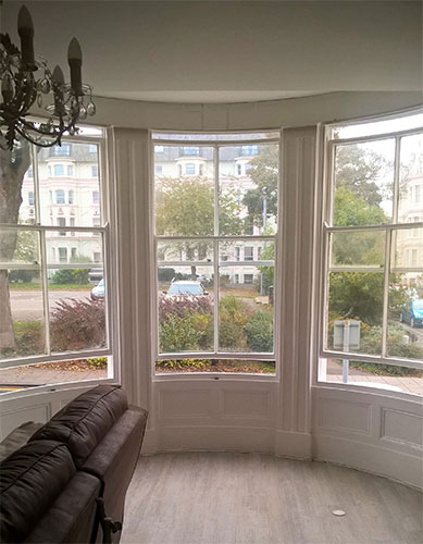 Photo 052 - Curved Box Sash Windows